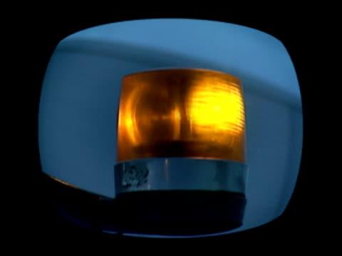 点滅琥珀色照明 - 情報伝達サイン点の映像素材/bロール