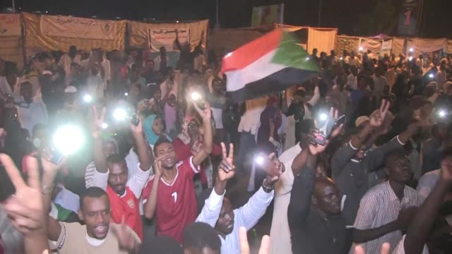 SDN: Protesters vow to break army's grip as Sudan talks falter