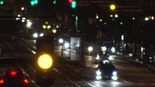 flashing yellow signal at night, fukui, japan - weichzeichner stock-videos und b-roll-filmmaterial