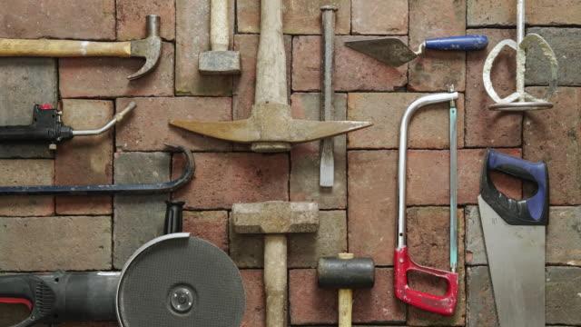 vídeos y material grabado en eventos de stock de herramientas de construcción planas - herramienta de mano