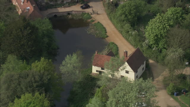 flatford mill - エセックス州点の映像素材/bロール