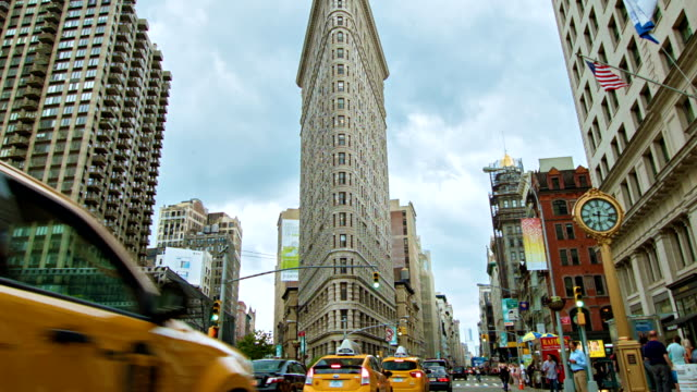 flatiron building in new york - flatiron building manhattan stock videos and b-roll footage