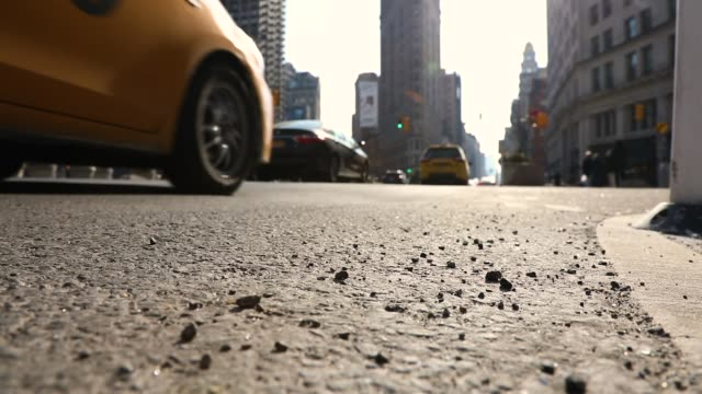flatiron new york city - yellow taxi video stock e b–roll