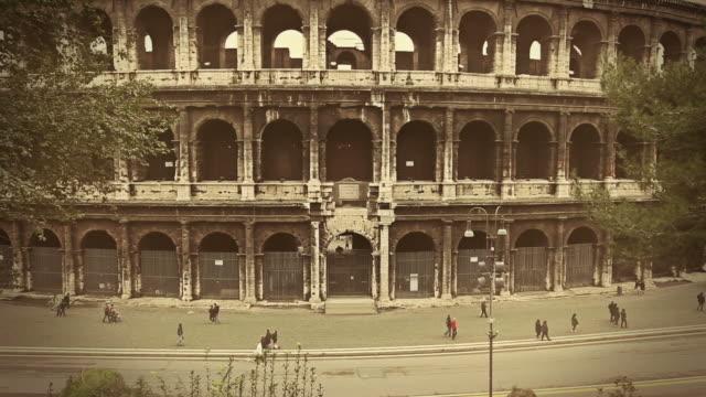 flavian amphitheater kolosseum von rom hd-videos - kaiserreich stock-videos und b-roll-filmmaterial