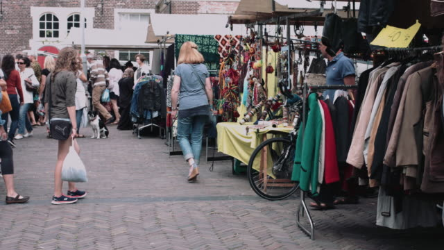 stockvideo's en b-roll-footage met flea market noordermarkt amsterdam, the netherlands - markt