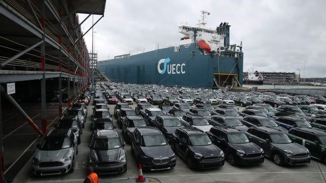 fleet of cars waiting for shipment in harbour in southampton, england, uk, on wednesday, september 30, 2020. - land vehicle stock videos & royalty-free footage