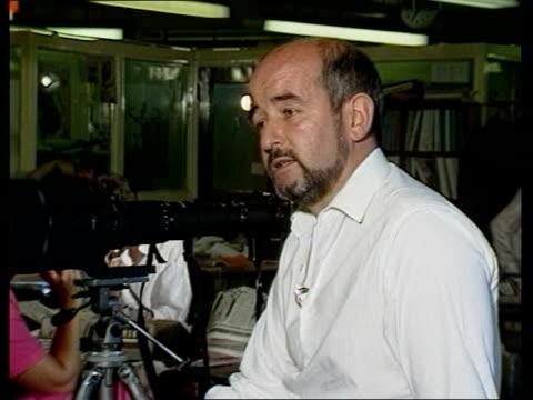 fleet street reaction; ken lennox, photographer, the star interview sot - fleet street stock videos & royalty-free footage