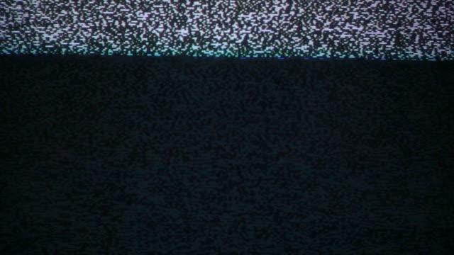 vídeos y material grabado en eventos de stock de ruido de parpadeo en viejo tv lenta - frecuencia