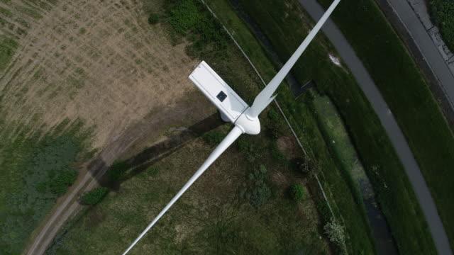 風車に近いフライト - オーレスン地域点の映像素材/bロール