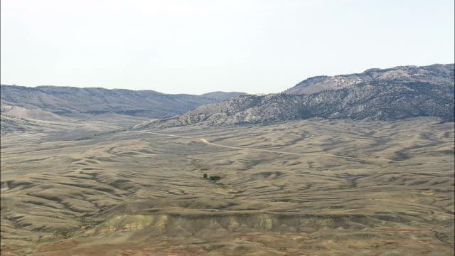 Vol au-dessus d'un paysage aride du sud de dix-Vue aérienne de nuit-Wyoming, Washakie County, États-Unis