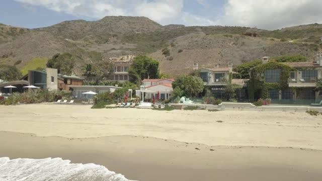 flight over malibu beach, los angeles, california, united states of america, north america - malibu bildbanksvideor och videomaterial från bakom kulisserna