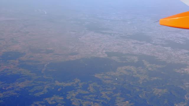 LUFTBILD POV Flug über die Norden Eifel und der Kölner Tiefland