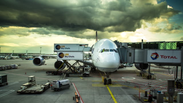 Flight Prep in Frankfurt Airport - Timelapse