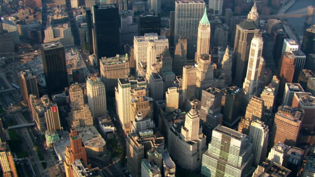 stockvideo's en b-roll-footage met flight south from ground zero over battery park. shot in 2003. - wall street lower manhattan