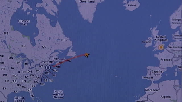 Flight tracking website showing plane on map leaving US ...