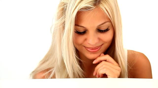 Flirten blonden Frau