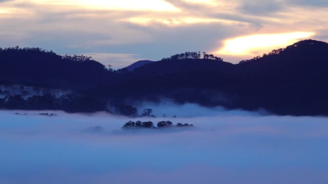 floating cloud on mountain valley - annapurna range stock videos and b-roll footage