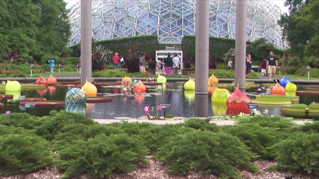 WS Floating glass bulbs at Missouri botanical garden / St Louis, Missouri, USA