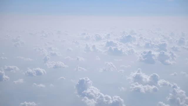 floating in the sky - atmosfär råmaterial bildbanksvideor och videomaterial från bakom kulisserna