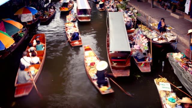 floating market, bangkok, thailand - floating market stock videos & royalty-free footage