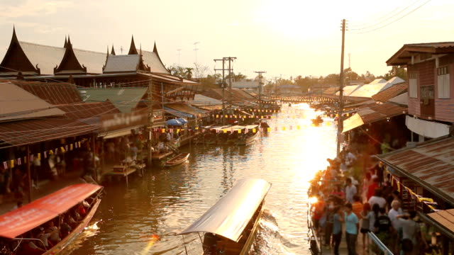stockvideo's en b-roll-footage met floating market - thailand