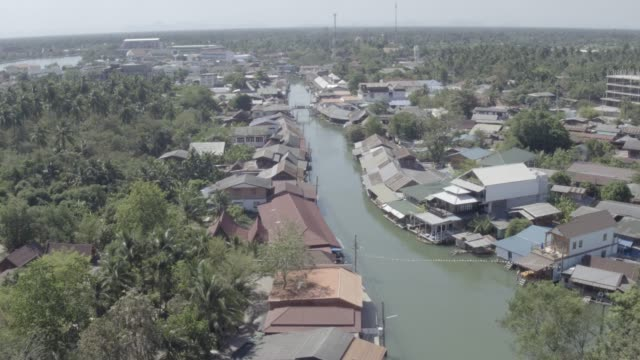 floating village in bangkok, thailand - bangkok stock videos & royalty-free footage