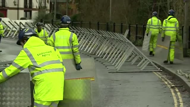 flood defences being built by river severn in worcestershire as storm christoph brings with it the risk of flooding - protection stock videos & royalty-free footage