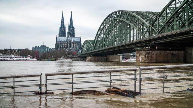 stockvideo's en b-roll-footage met overstroming in keulen, duitsland - europese cultuur