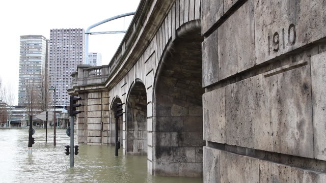 flood in paris 2018, paris 1910 raw brand - 1910 stock-videos und b-roll-filmmaterial