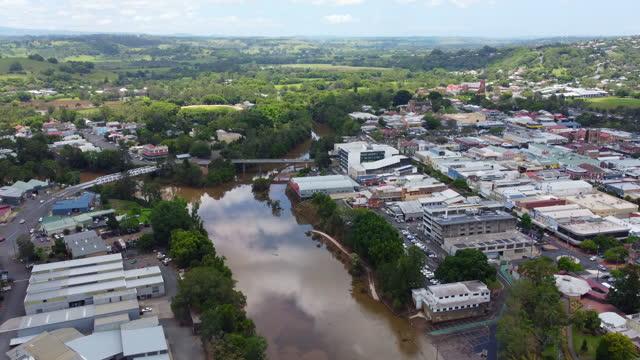 flooded wilsons river running through lismore, nsw, australia - flood stock videos & royalty-free footage