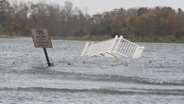stockvideo's en b-roll-footage met flooding after hurricane sandy - beschadigd