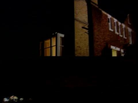 vídeos y material grabado en eventos de stock de shrewsbury family itn england shrewsbury people canoeing towards along flooded town street gv canoeist struggling to control craft in strong current... - shrewsbury