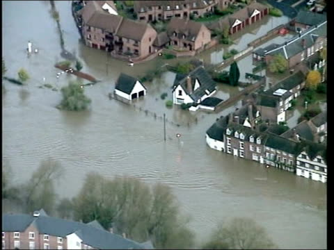 stockvideo's en b-roll-footage met new map to highlight problem areas itv lib england shropshire shrewsbury flooded town - itv evening news