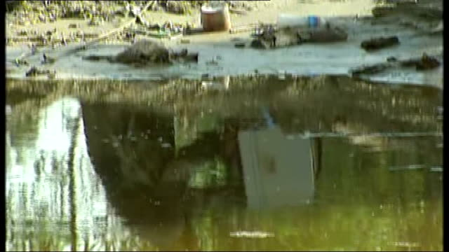 floods spreading south / many still waiting for aid / thousands displaced dr izatullah quhir interview about festering wounds contaminated water and... - 2010 video stock e b–roll