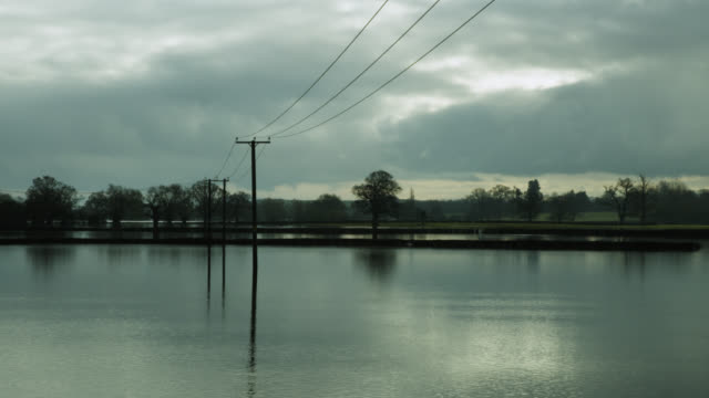 floodwater covers fields, upton-upon-severn, worcestershire, england - river severn stock videos & royalty-free footage