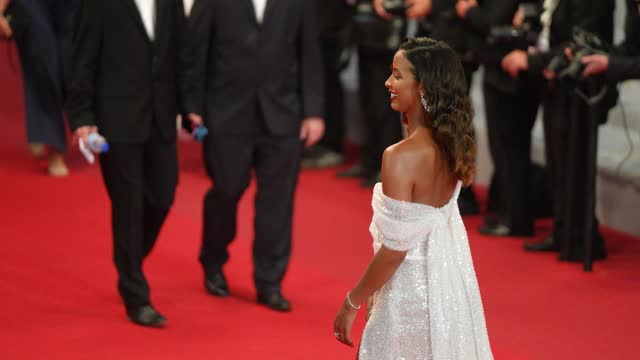 """vídeos de stock, filmes e b-roll de flora coquerel attends the """"the velvet underground"""" screening during the 74th annual cannes film festival on july 7, 2021 in cannes, france. - cannes"""