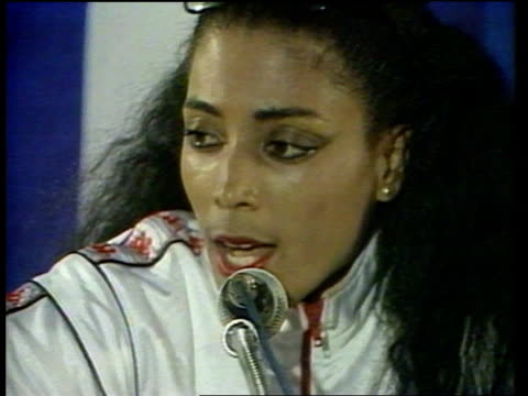 Florence GriffithJoyner announces retirement LIB UNSPECIFIED INT Florence GriffithJoyner seated at press conference and speaking SOT I'm a champion /...