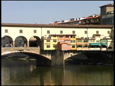 florence, italy: ponte vecchio bridge (push) - ponte stock videos & royalty-free footage
