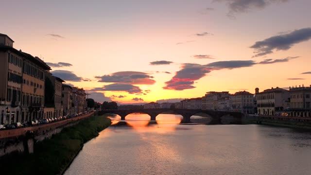 florenz, italien skyline bei sonnenuntergang - florenz stock-videos und b-roll-filmmaterial