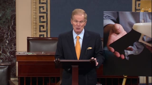 vídeos y material grabado en eventos de stock de florida senator bill nelson moves to call up a bill hours before the trump administration allowed internetbased printing of plastic firearms utah... - senador