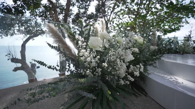 vidéos et rushes de fleur - composition florale