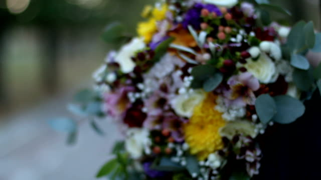 flowers in wedding bouquet - trillium stock videos & royalty-free footage