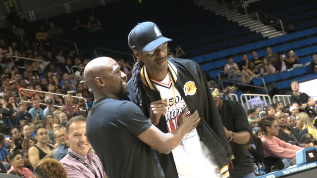 floyd mayweather, snoop dogg at the monster energy $50k charity challenge celebrity basketball game in los angeles, ca 7/8/19 - snoop dogg stock videos & royalty-free footage
