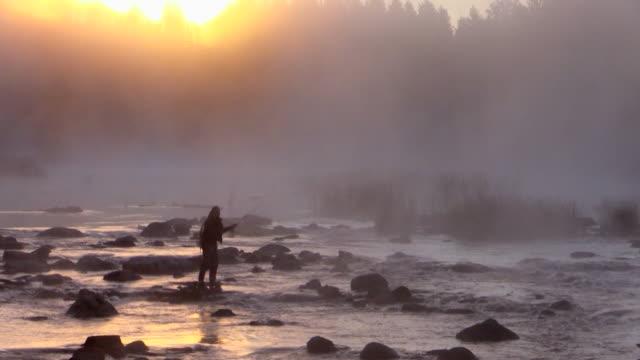 Flugfiske sunset river