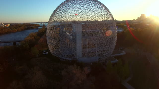 vídeos de stock e filmes b-roll de fly over the montreal biosphere - montréal