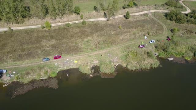 vídeos y material grabado en eventos de stock de flying along the coast of the arpasu dam - transilvania