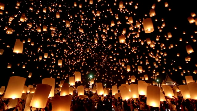 hd: flying lantern yeepeng loi kra tong festival in thailand - releasing stock videos & royalty-free footage