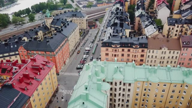 flying over central stockholm, apartment buildings - svezia video stock e b–roll