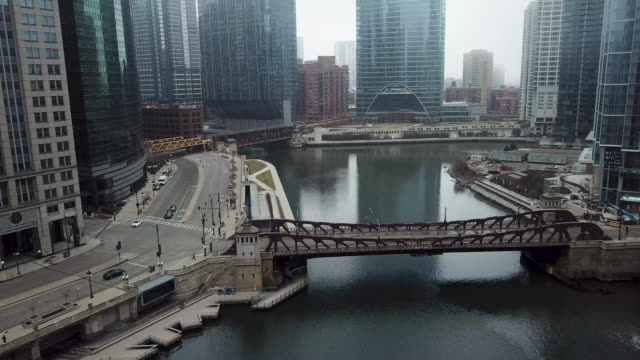 flying over empty chicago river during covid-19 pandemic - river stock videos & royalty-free footage