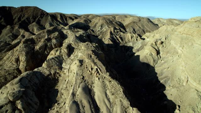 flying over mountains in anza-borrego park - 北半球点の映像素材/bロール